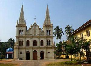 Небольшая церквушка на территории дворца Маттанчерри