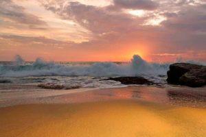 Фото рассвета на пляже Шангумугам